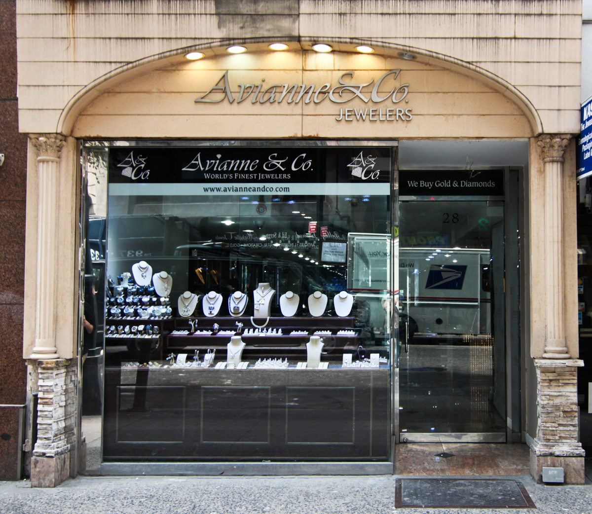 Diamond District Jewelry Stores