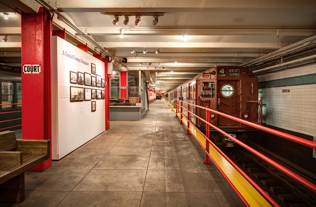 Google virtual tour of the new york transit museum nyc for Nyc transit museum hours